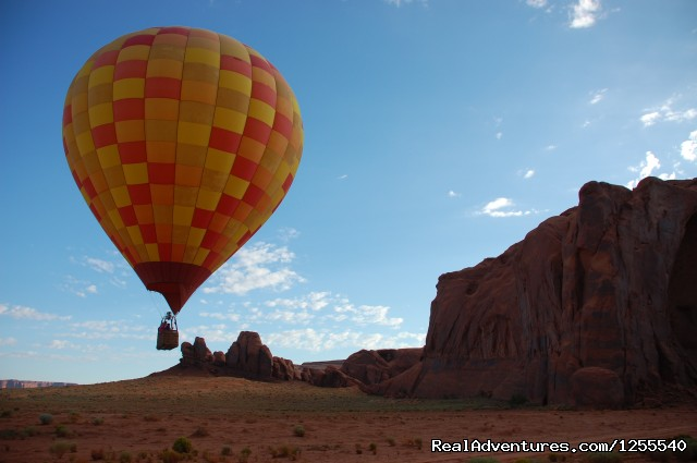 Image #3 of 6 - Monument Valley Hot Air Balloon Company