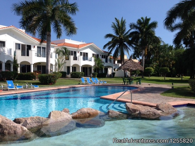 - Peaceful/Semisecluded Condonminium on Golf Course