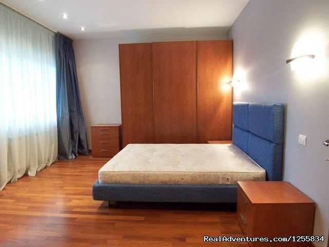 Spacious two bedroom apartment furnished for rent: bedrooms