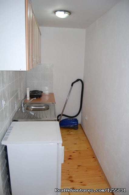 Kitchen 1 - Apartments and Hostel Rooms Castanea Sarajevo