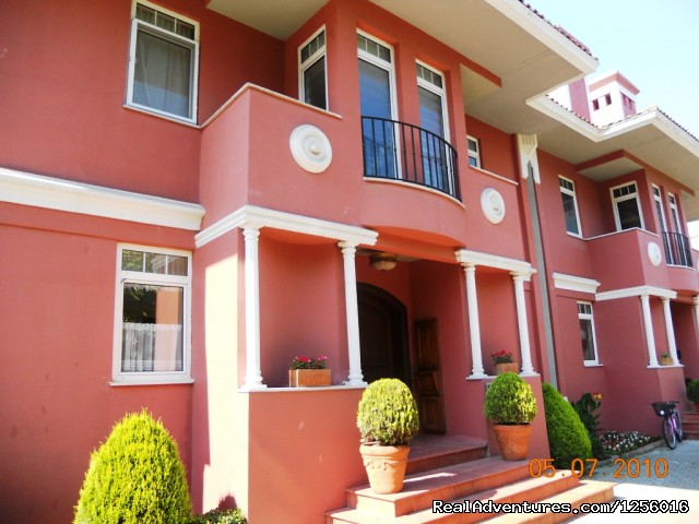 Image #2 of 14 - Daily rental private villa (no1)