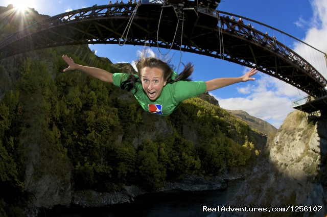 Kawarau Bridge Bungy - AJ Hackett Bungy Queenstown