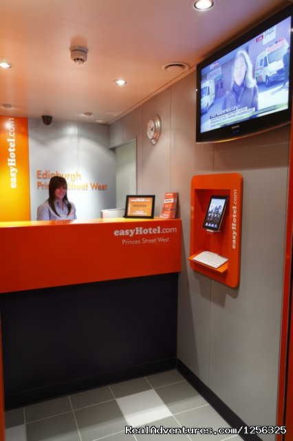 Edinburgh Hotel - Reception - Cheap Hotel Room in Edinburgh - easyHotel.com