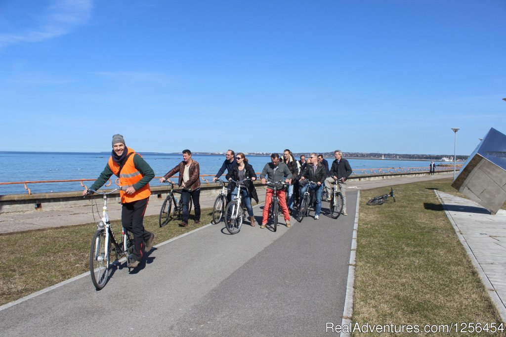 Cycling on promenade | Image #5/11 | Welcome to Tallinn Bicycle Tour