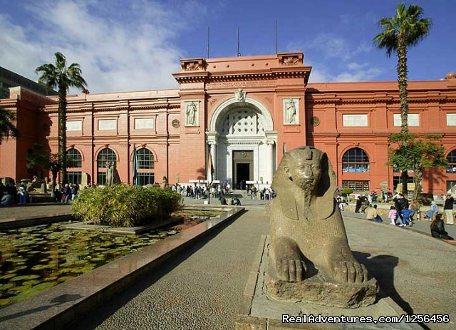 Egyptian Museum Tour from Hurghada by air - Day trip to Cairo Pyramids from Hurghada by plane