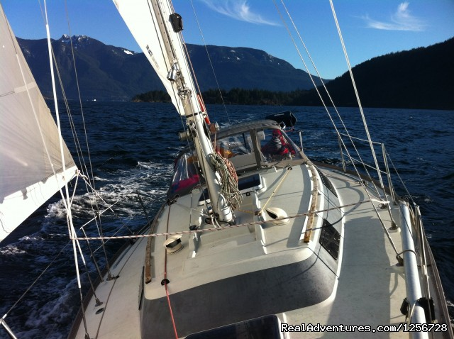 Sailing in Howe Sound, BC - Sailing Classes in Vancouver