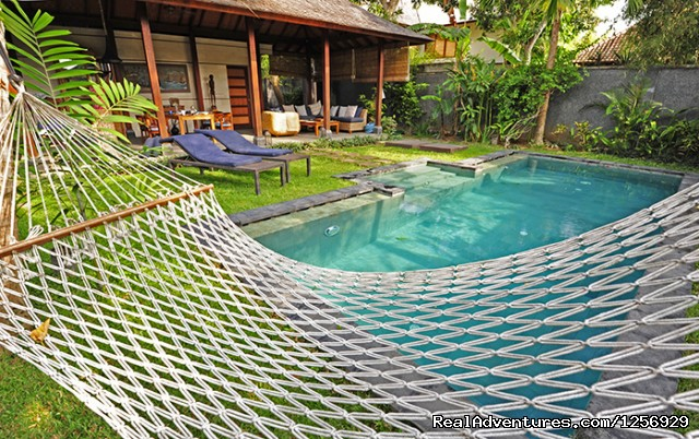 Deluxe tropical pool villas by the beach jimbaran indonesia vacation rentals realadventures - The sky pool a deluxe adventure ...
