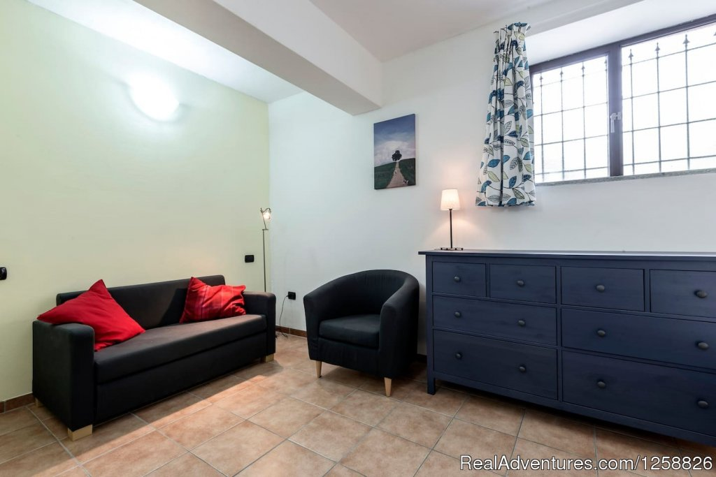 Living room/Bedroom apartment Cantinetta | Image #12/18 | Holiday Home I Due Padroni - Wine region Milan