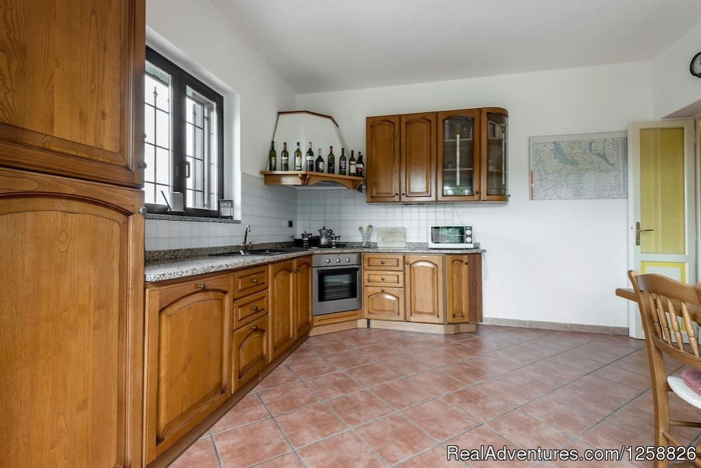 Kitchen apartment Loggione | Image #5/18 | Holiday Home I Due Padroni - Wine region Milan