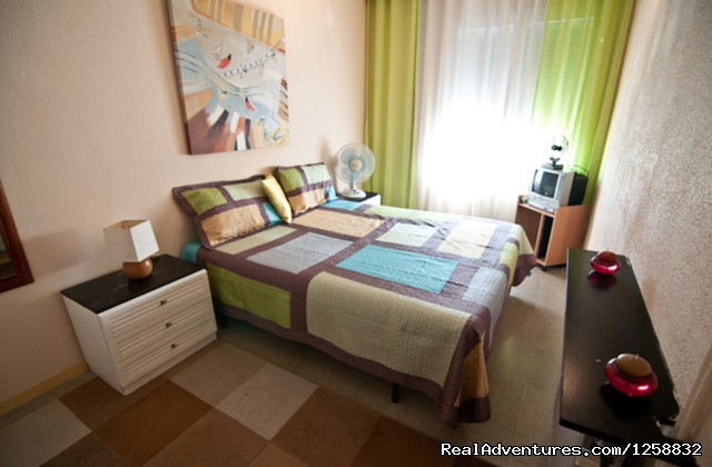 A Cosy Double Bedroom With A Private Bathroom Barcelona, Spain Vacation Rentals