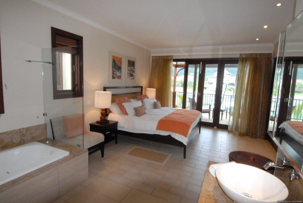 Luxury Bedrooms and with bathrooms | Image #10/11 | Seychelles Holiday Rentals on Eden Island