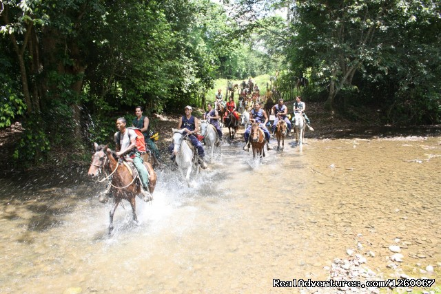 Riding horses - Fun Fun Cave - Fun Fun Cave - Adventure and ecotourism tour