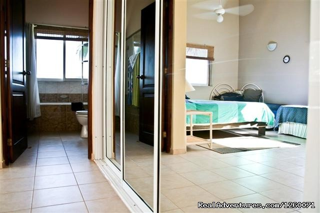 Beachside Vacation Getaways at Vecinos: Mezzanine ensuite bathroom