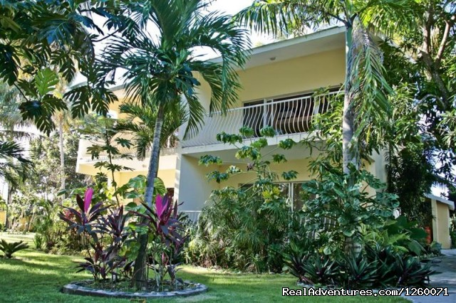 Our condo bldg with 4 condos - Beachside Vacation Getaways at Vecinos