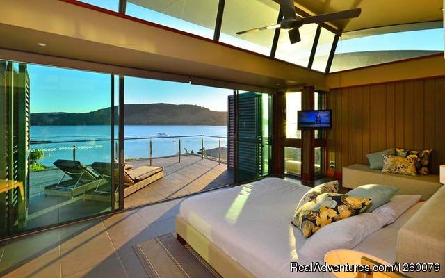 Image #1 of 26 - Yacht Club Villa 27 Hamilton Island