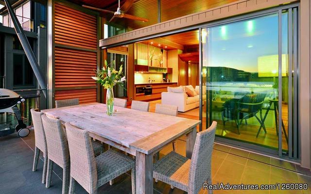 Image #5 of 26 - Yacht Club Villa 27 Hamilton Island