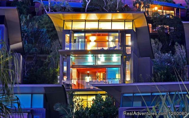 - Yacht Club Villa 27 Hamilton Island