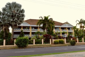 Waterfront Terraces Apartments Cairns Cairns, Australia Vacation Rentals