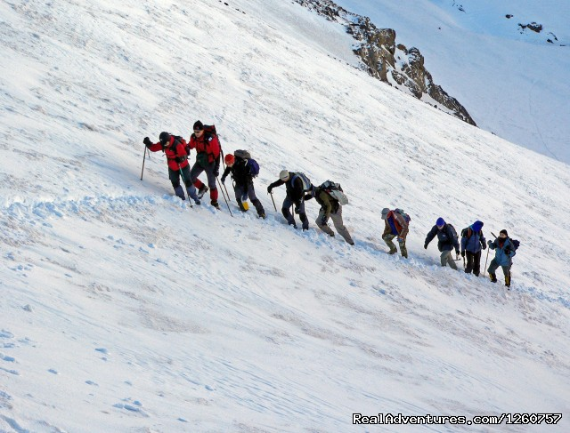 Skiing in toubkal ascent highest peak in nord afrique