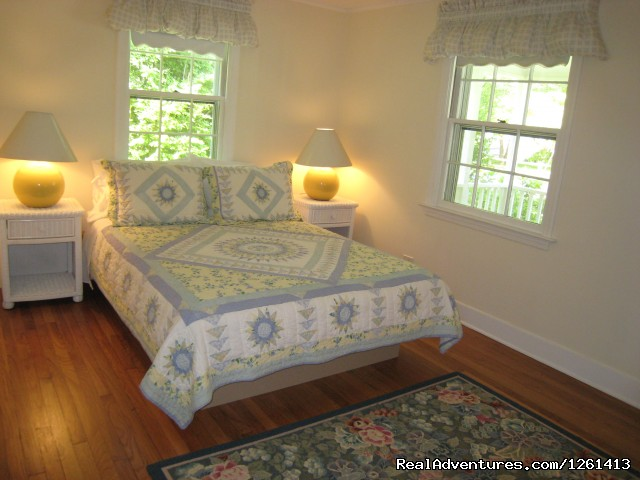 Bedroom 2: queen bed. - Charming & Private - Heart of East Hampton Village