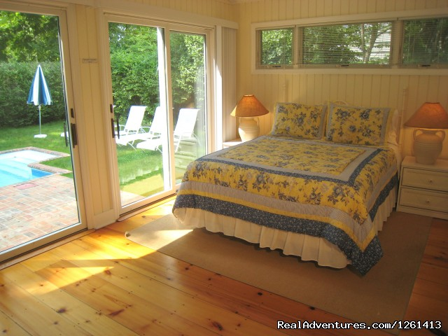 Master Suite with tiled bathroom and swedish sauna. - Charming & Private - Heart of East Hampton Village