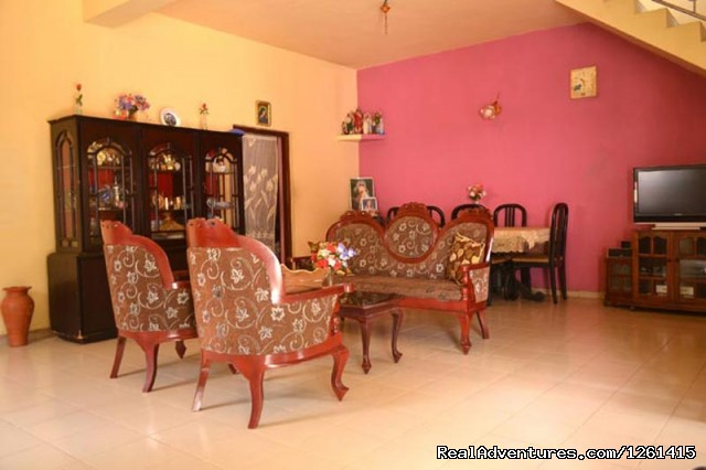 living Room down stairs - Randi Homestay Negombo