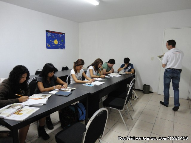 Learn Spanish in the best school of Guadalajara