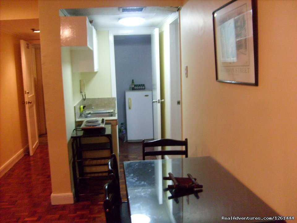Kitchen | Image #4/11 | Convenient,Affordable & Secure Condo in Makati