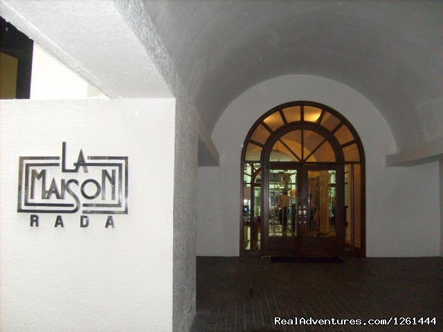 Exterior Main entrance - Convenient,Affordable & Secure Condo in Makati