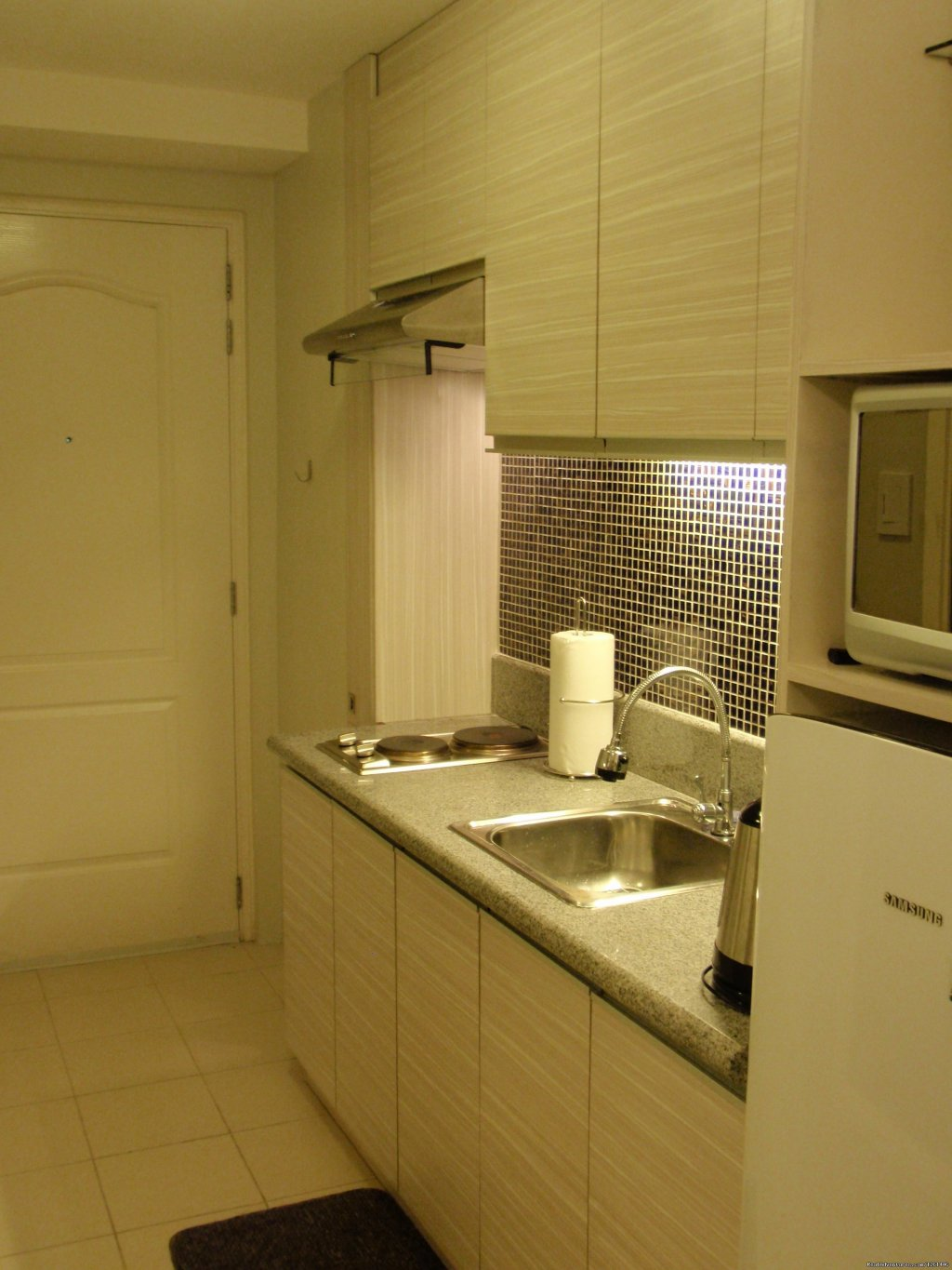 30th Floor Unit Kitchen | Image #20/26 | Fully Furnished Studio-Condo Unit in Manila