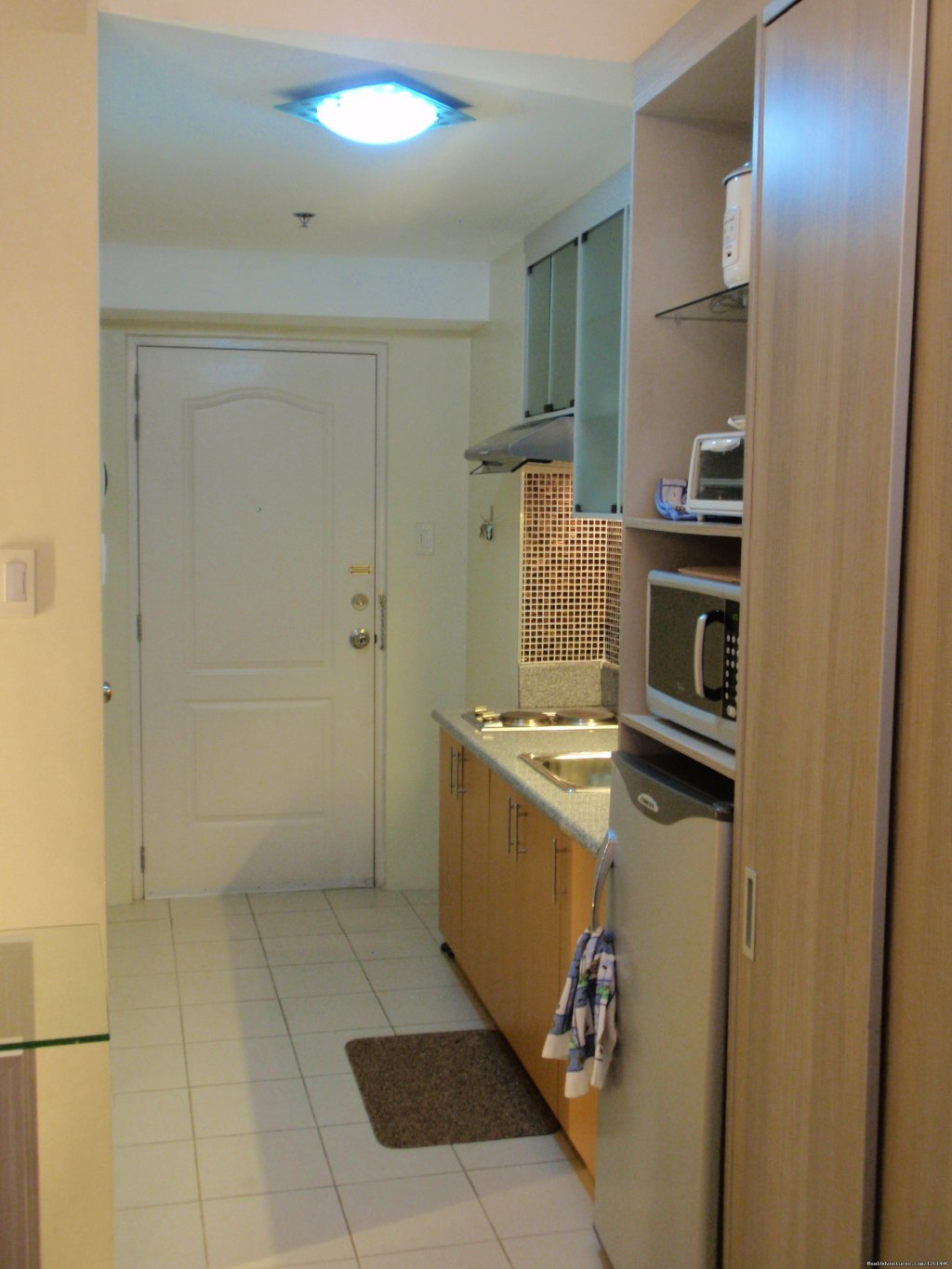 25th Floor Unit Kitchen | Image #16/26 | Fully Furnished Studio-Condo Unit in Manila