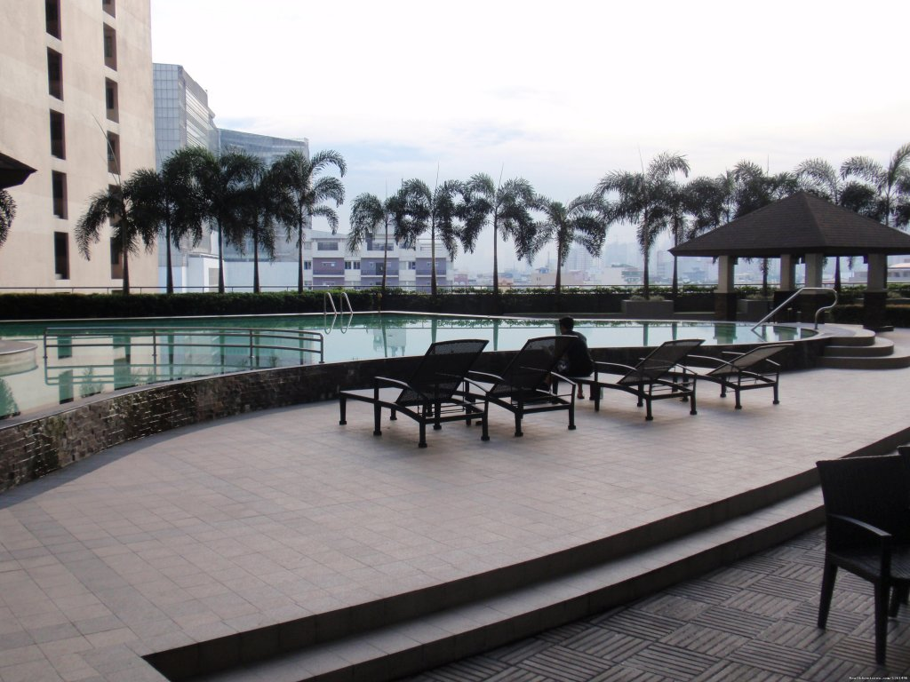 Lounge Chairs | Image #8/26 | Fully Furnished Studio-Condo Unit in Manila
