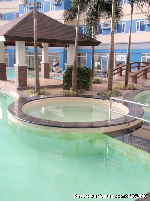 Jacuzzi And Gazebo - Fully Furnished Studio-Condo Unit in Manila
