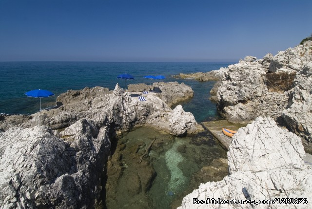 Isola di Eea, Private Beach - Romantic Weekend in the Italian Mediterrean Coast