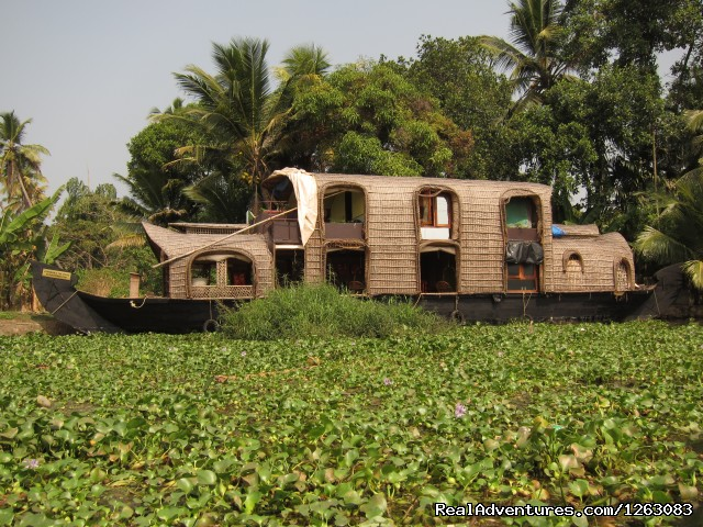 Eco houseboat romantic getaway in Kerala, India