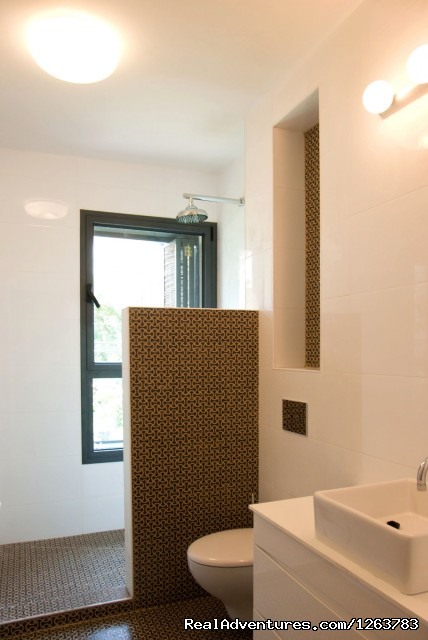Beautiful apartments in the heart of Tel Aviv: Brand New Bathrooms