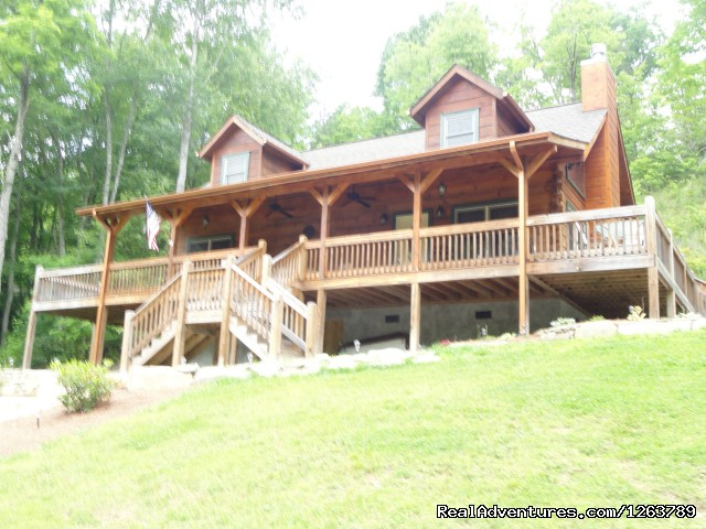 Front Entrance to Cabin - Luxury Cabin on Beautiful Mt Stream Great Rates