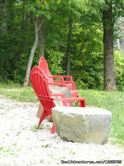 You can sit outside an enjoy the stream - Luxury Cabin on Beautiful Mt Stream $199/nightly