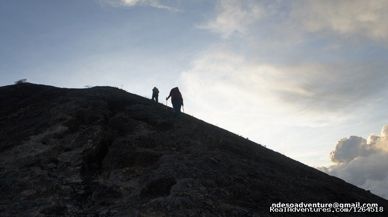 Trekking to Mount Agung, Bali | Image #10/11 | Volcano Adventure Tour in Indonesia