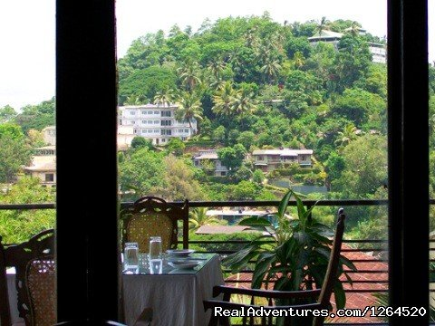 The Drop Inn is situated in Kandy giving its guests a nice Panoramic View.