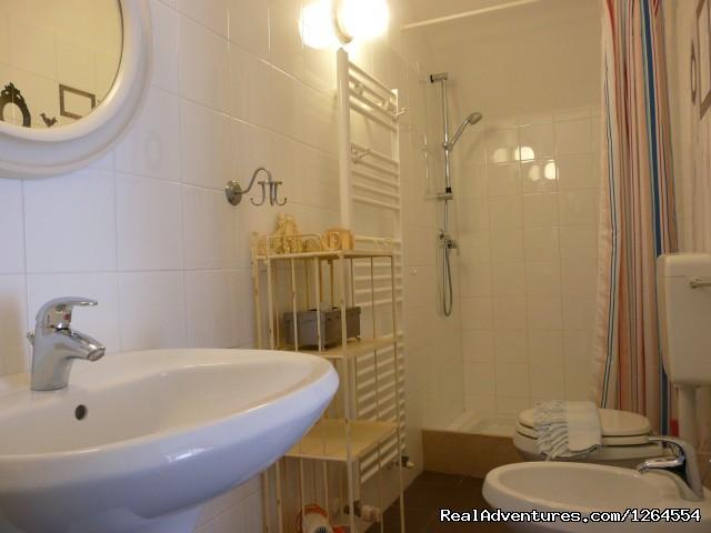 Bathroom (#11 of 19) - Garda Lake and Hills