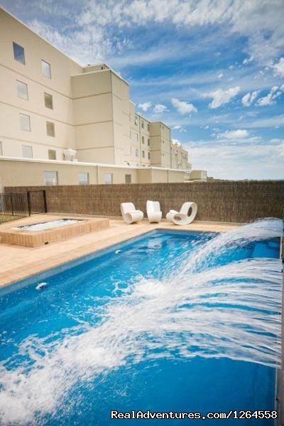 on site Gym,teenis Court & Pool - Bathurst Serviced Apartments