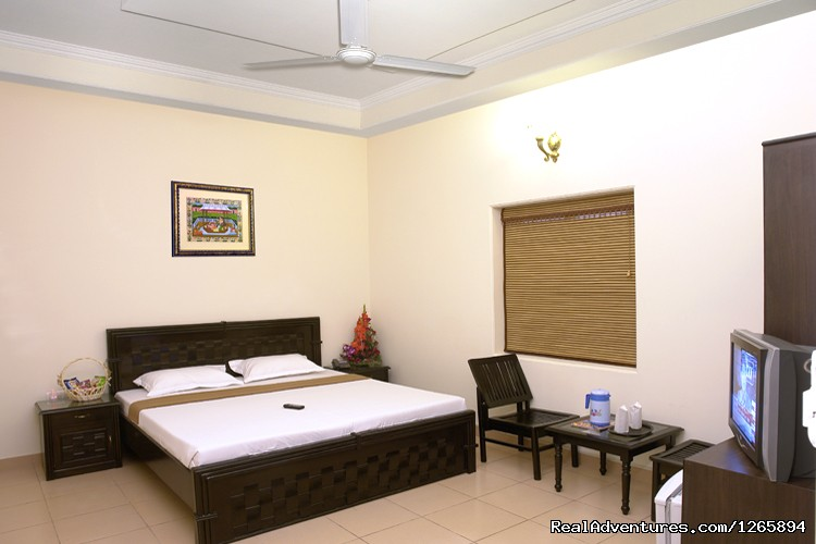 Deluxe A/c Double bed room | Image #5/8 | Taj Homestay Agra