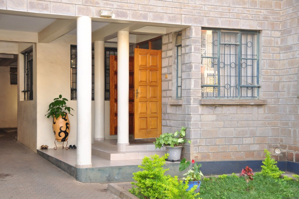 The Southhood Villa  is a modern facility located along the busy Nairobi-Mombasa highway. We have five tastefully furnished rooms with a harmonizing luxury and comfort. The ambiance at the Southhood Villa evokes a sense of serenity and tranquility.