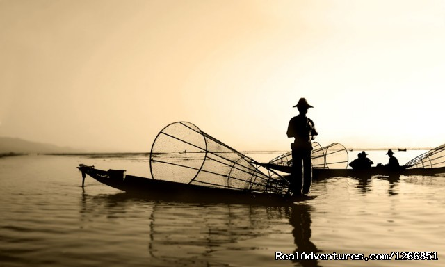 Fishermen on water, Inle Lake - Luxurious Myanmar