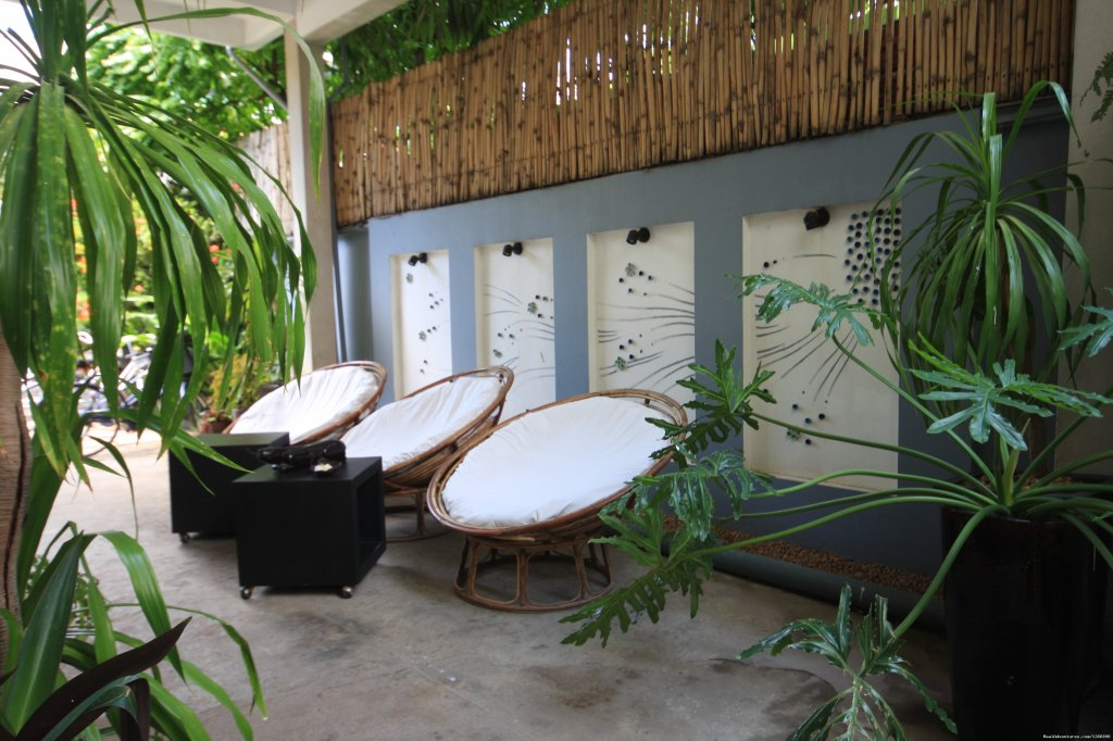 The hotel was restored by a team led by a Cambodian architect and a landscape designer and has 7 rooms, providing single, double, twin and suite accommodation.