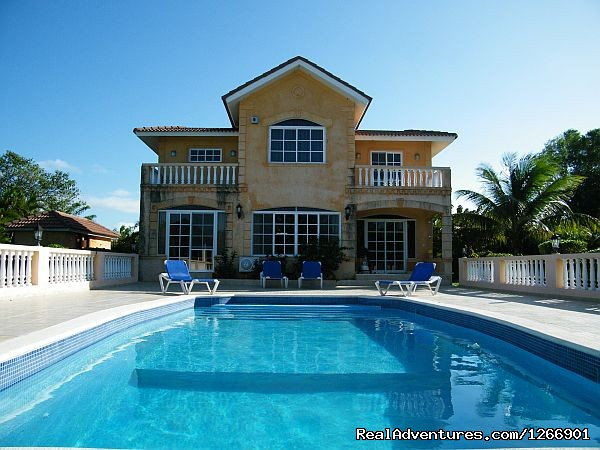 Caribbean Luxury For Less - Quiet but Near all