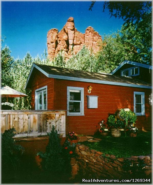 Red Buttes in the neighborhood - Cathedral Rock Lodge & Retreat Center