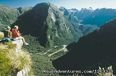 Famous Milford Track - Exclusive Rental Luxury Lodge & Retreat