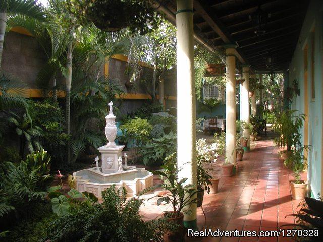 Hostal Buen Viaje ,Remedios,Cuba Patio Hostal Buen Viaje